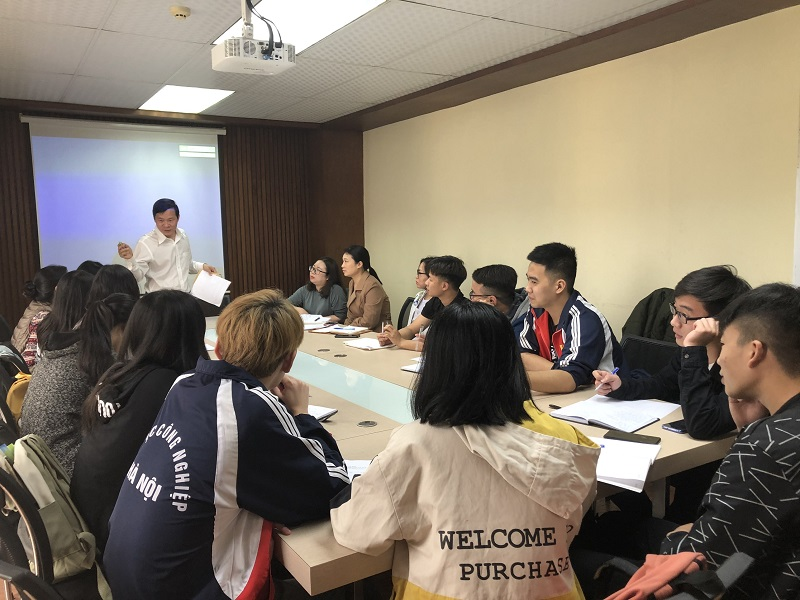Tập huấn về kiểm kê khí thải cho sinh viên ngành Môi trường- Trường Đại học Công nghiệp Hà Nội